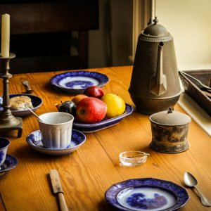 Kitchen table with colonial era place setting (Photo by James DeMers)